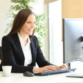 Employeur qui decouvre les avantages de l'assurance collective